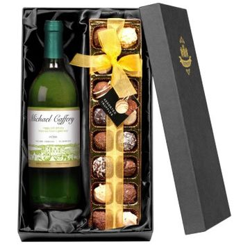 Personalised White Wine with Chocolates