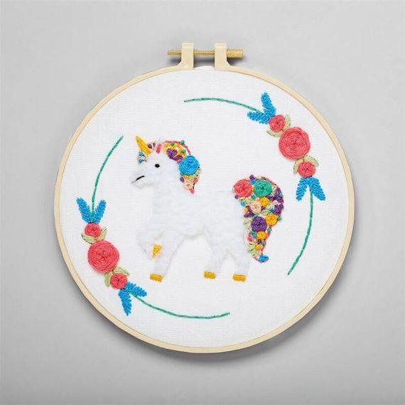 Simply Make Embroidery Kit - Unicorn